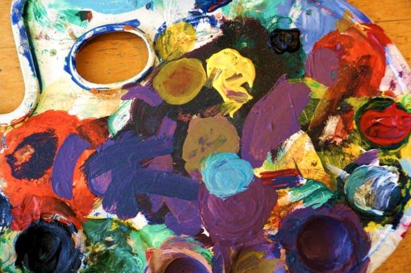 Rot, gelb, grün und blau – ein Farbprojekt in der Kita