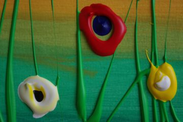 Farbenfrohe Blüten aus der Tube